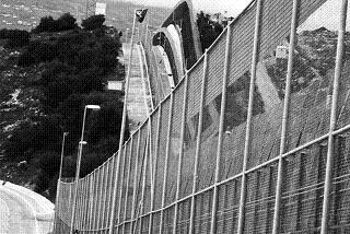 border_spain_fence_melilla_1207_BW_large.jpg