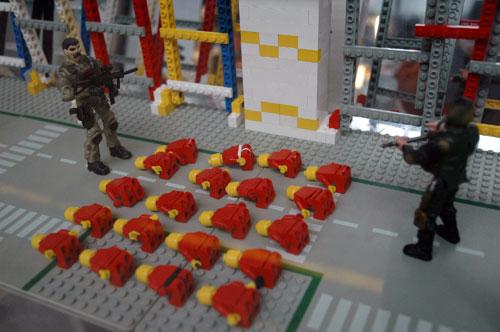 20041208-lego-prisoners.jpg